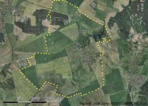 Letecký snímek s vyznačením hranic honitby.